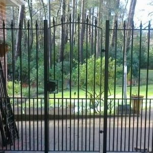Garden_gate_and_railing_panel