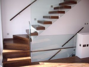 Steel_framed_floating_staircase_1