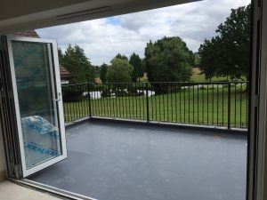 Flat roof railings