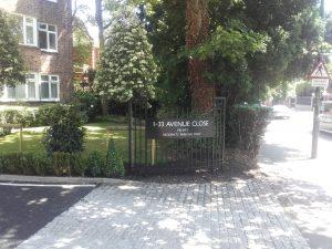 Avenue close